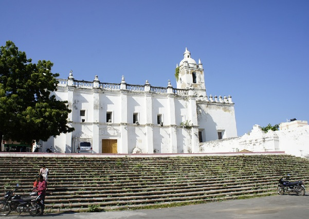 church-of-st-francis-of-assisi_diu-tourist-places