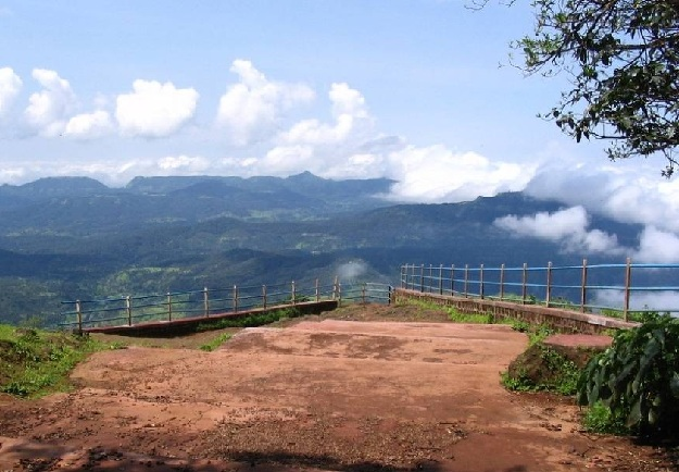 connaught-peak_mahabaleshwar-tourist-places