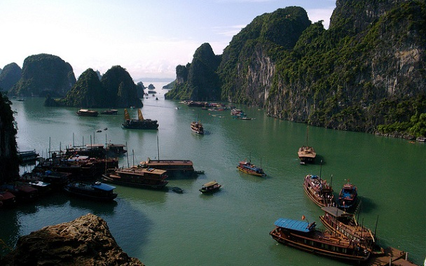 halong-bay_vietnam-tourist-places