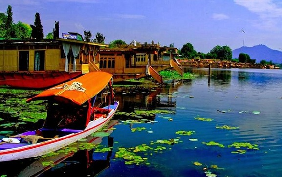 Honeymoon Places in India in February-Srinagar