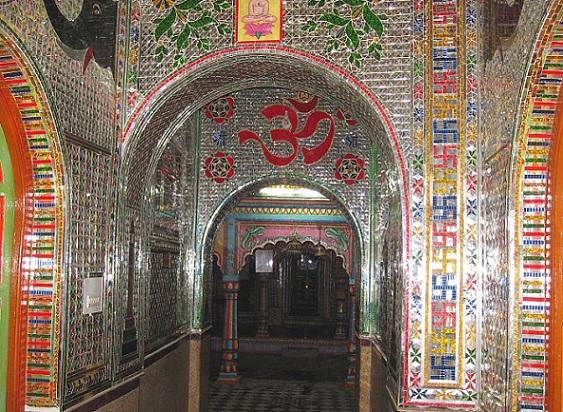 kanch-mandir_indore-tourist-places