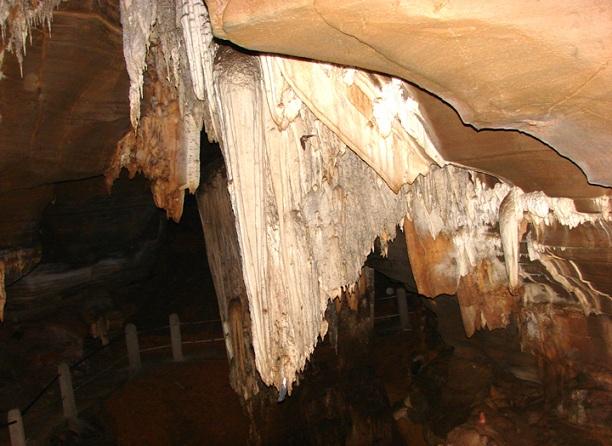 kutumsar-caves_chhattisgarh-tourist-places