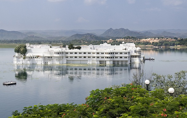 lake-pichola_udaipur-tourist-places
