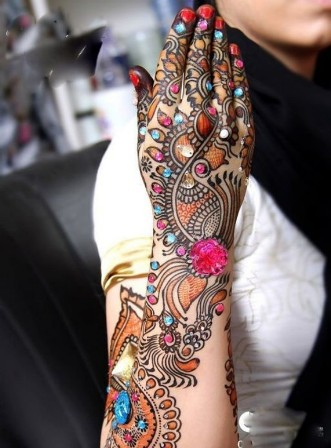 Multi-Colour Mehndi Designs for Hands