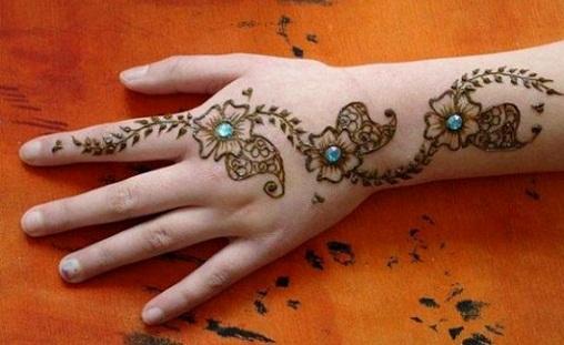 Glittery Hand Mehndi Art