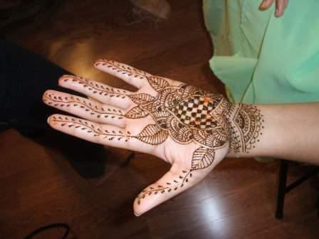 floral hand mehndi designs