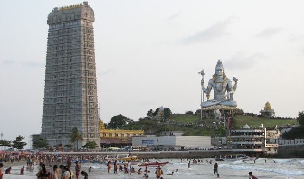 murudeshwar-beach-and-temple_mangalore-tourist-places