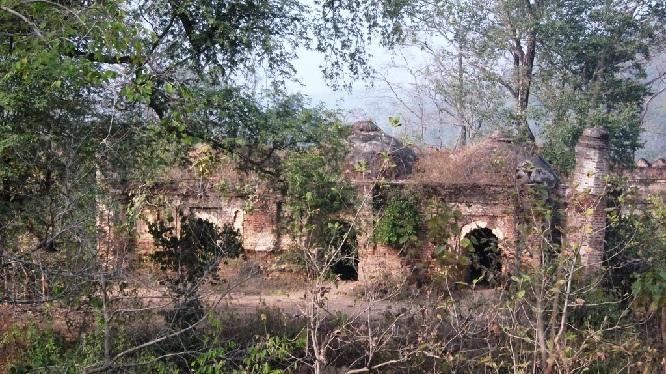palamu-forts_jharkhand-tourist-places