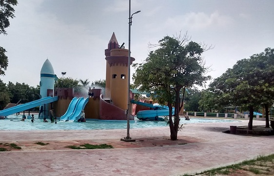 parks-in-agra-dolphin-water-park