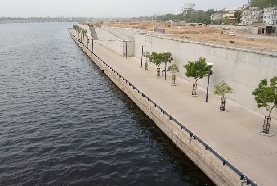parks-in-ahmedabad-sabarmati-river-front