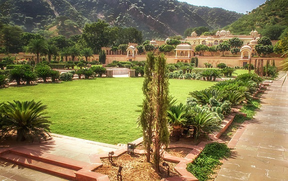 parks-in-jaipur-sisodia-rani-garden