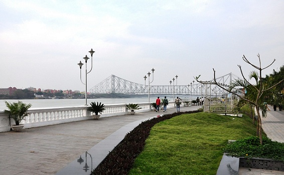 parks-in-kolkata-riverfront
