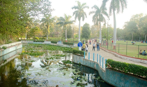 parks-in-pune-saras-baug