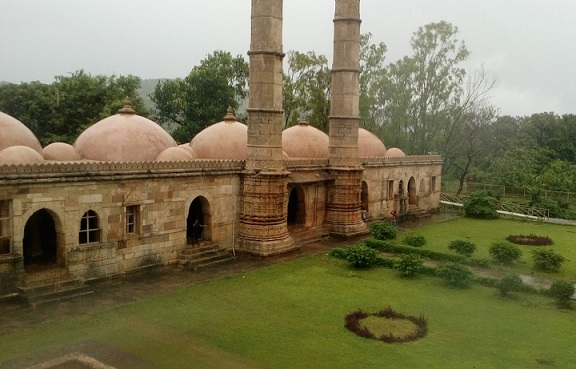 parks-in-vadodara-champaner-pavagadh-archaeological-park