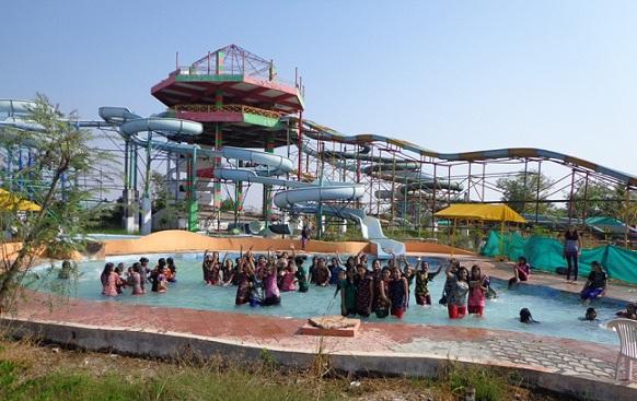parks-in-vadodara-gujarat-fun-world