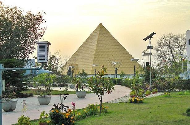 pushpa-gujral-science-city_punjab-tourist-places