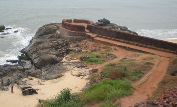 Scenic Places in India-Bekal Fort – Abandoned Glory