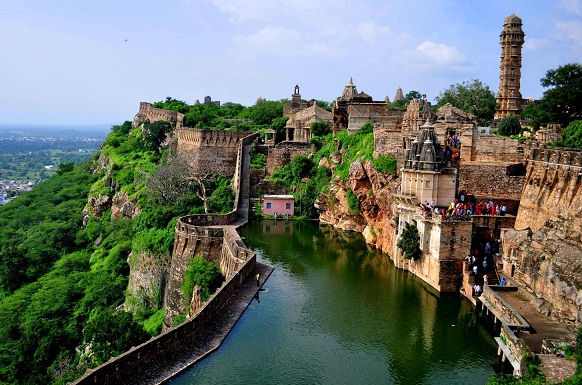 Scenic Places in India-Chittorgarh Fort