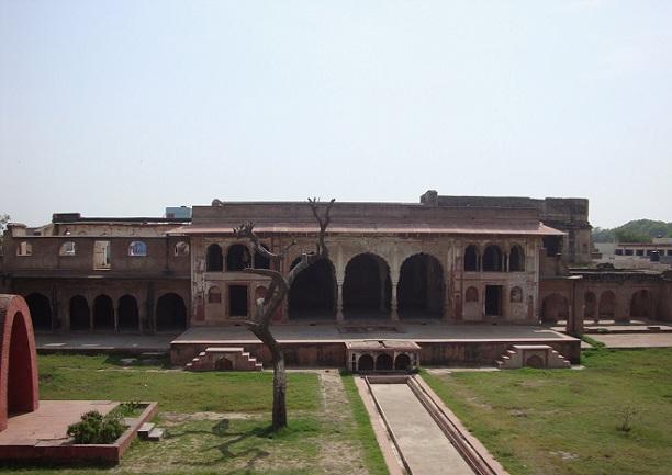 sheesh-mahal_haryana-tourist-places