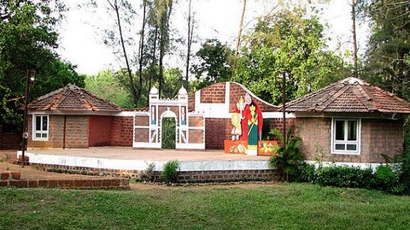 shilpgram_udaipur-tourist-places