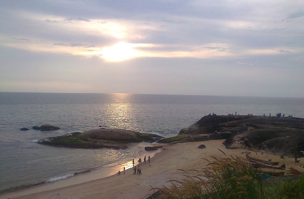 someshwar-temple-and-beach_mangalore-tourist-places