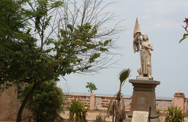 statue-of-joan-of-arc_pondicherry-tourist-places