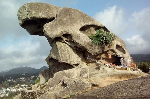 toad-rock_mount-abu-tourist-places
