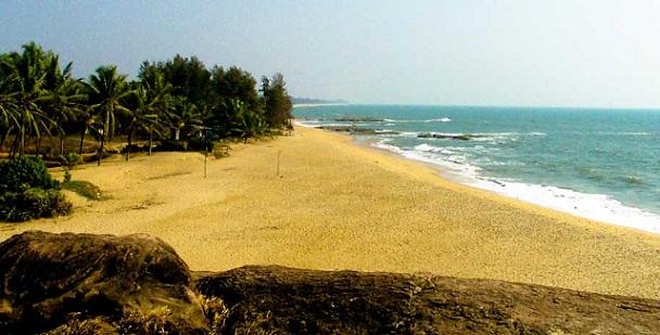 ullal-beach-and-bridge_mangalore-tourist-places