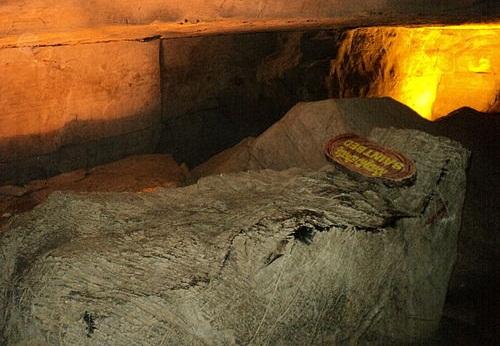Wonders of Belum Caves -Saint Bed