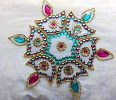 40 Best Kundan Rangoli Designs And Patterns With Images Styles At Life Simple Decorative Rangoli Designs With Stones And Kundans