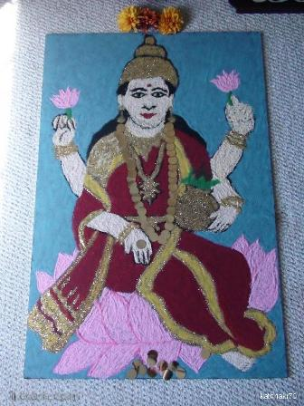 Lakshmi Rangoli With Gold And Red Colors