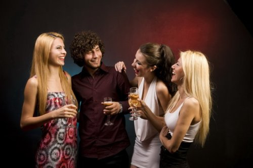 Body language secrets to attract women