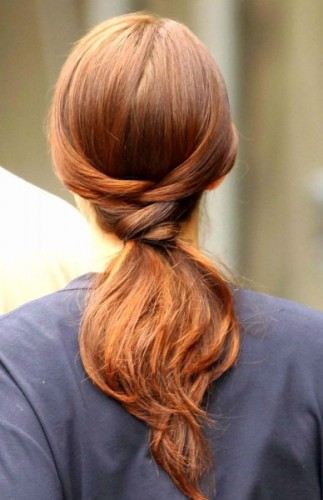 the fish tail hair style with pony tail look