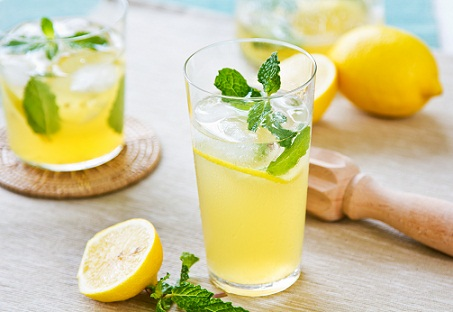 Juices for Weight loss - lemon
