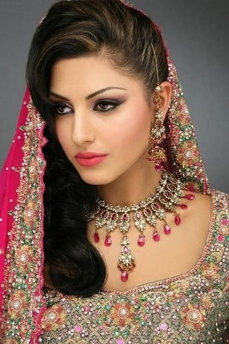 How to do Arabic Bridal Makeup?