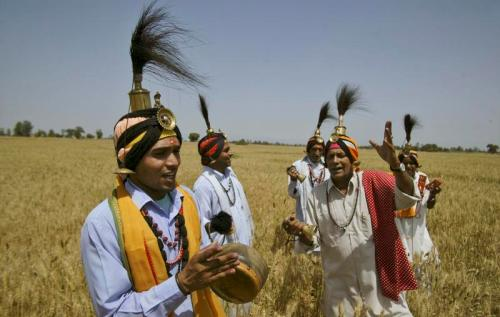 baisakhi in hindi Baisakhi is also known as harvest festival is celebrated with great devotion and fun know more on baisakhi festival and its celebrations in india.