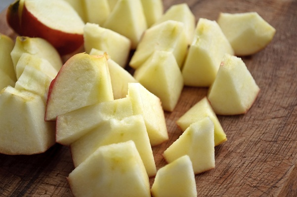 Home Remedies for Headache - Chopped Apples