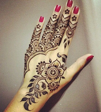 latest floral mehendi designs