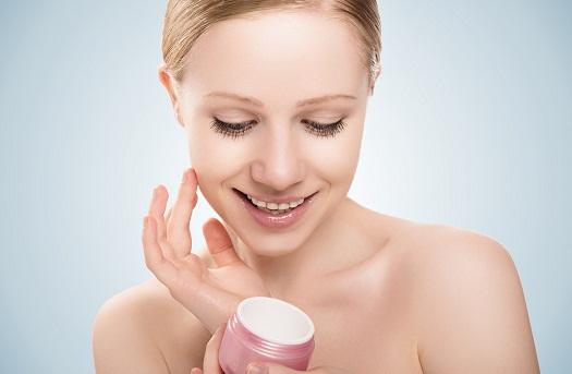apply cream (2)