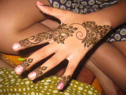 Mehndi Henna Simple Design : Simple and easy mehndi designs for beginners with