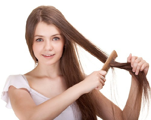 How to Straighten Your Hair - Comb Out The Tangles