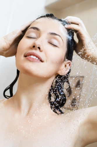 how to get soft shiny hair naturally at home