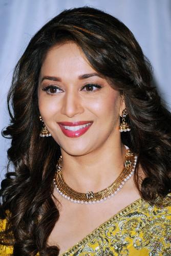 Wondrous 25 Best Indian Hairstyles For Medium Length Hair Styles At Life Short Hairstyles Gunalazisus