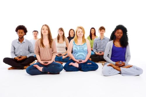 Meditate with people around