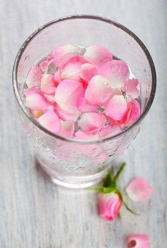 How to Remove Black Spots on Skin Rose Water