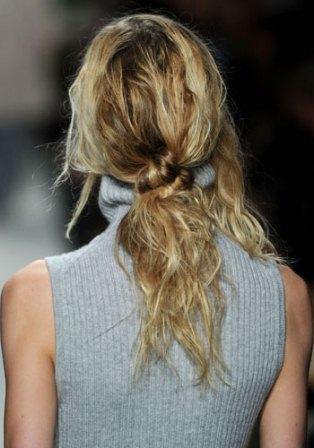 Simple Hairstyles for Long Hair11
