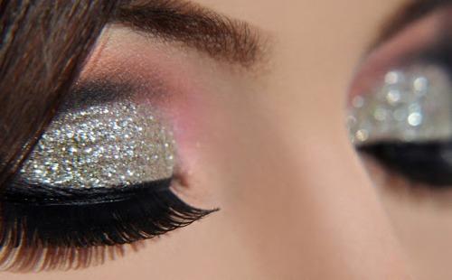 top 9 eye makeup for big eyes styles at life. Black Bedroom Furniture Sets. Home Design Ideas