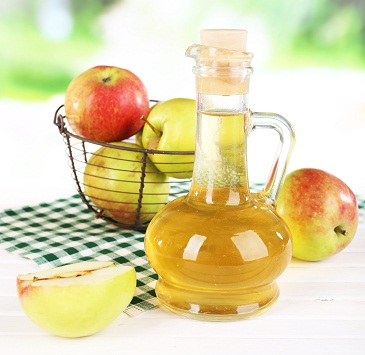 apple cider vinegar For Itchy Scalp And Hair