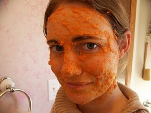 How to make best carrot face packs and masks for glowing face