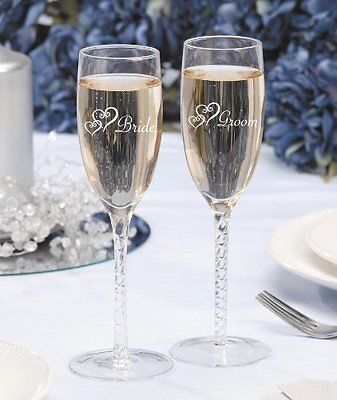 champagne-glasses-wedding-anniversary-gifts-for-parents